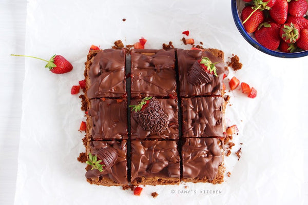 tariften tabaga - DAMY'S KITCHEN - ÇİLEKLİ BROWNIE - 6