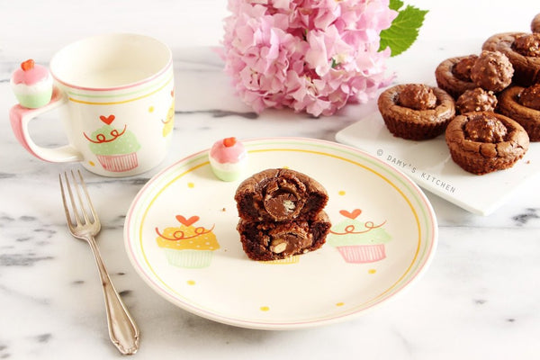 tariften tabaga - DAMY'S KITCHEN - FERRERO ROCHER VE NUTELLA'LI MİNİ BROWNIE - 10