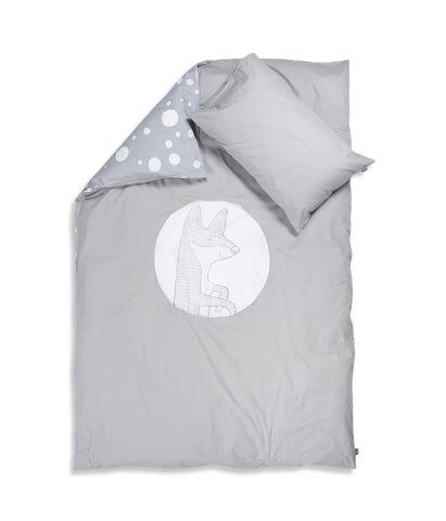 Organic cotton kids bedding set. Pillow case and duvet cover. Grey colour, dotted pattern. Main bed linen character fox Luna.