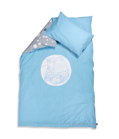 Organic cotton kids bedding set. Pillow case and duvet cover. Blue and grey colours, dotted pattern. Main bed linen character bear Moony.
