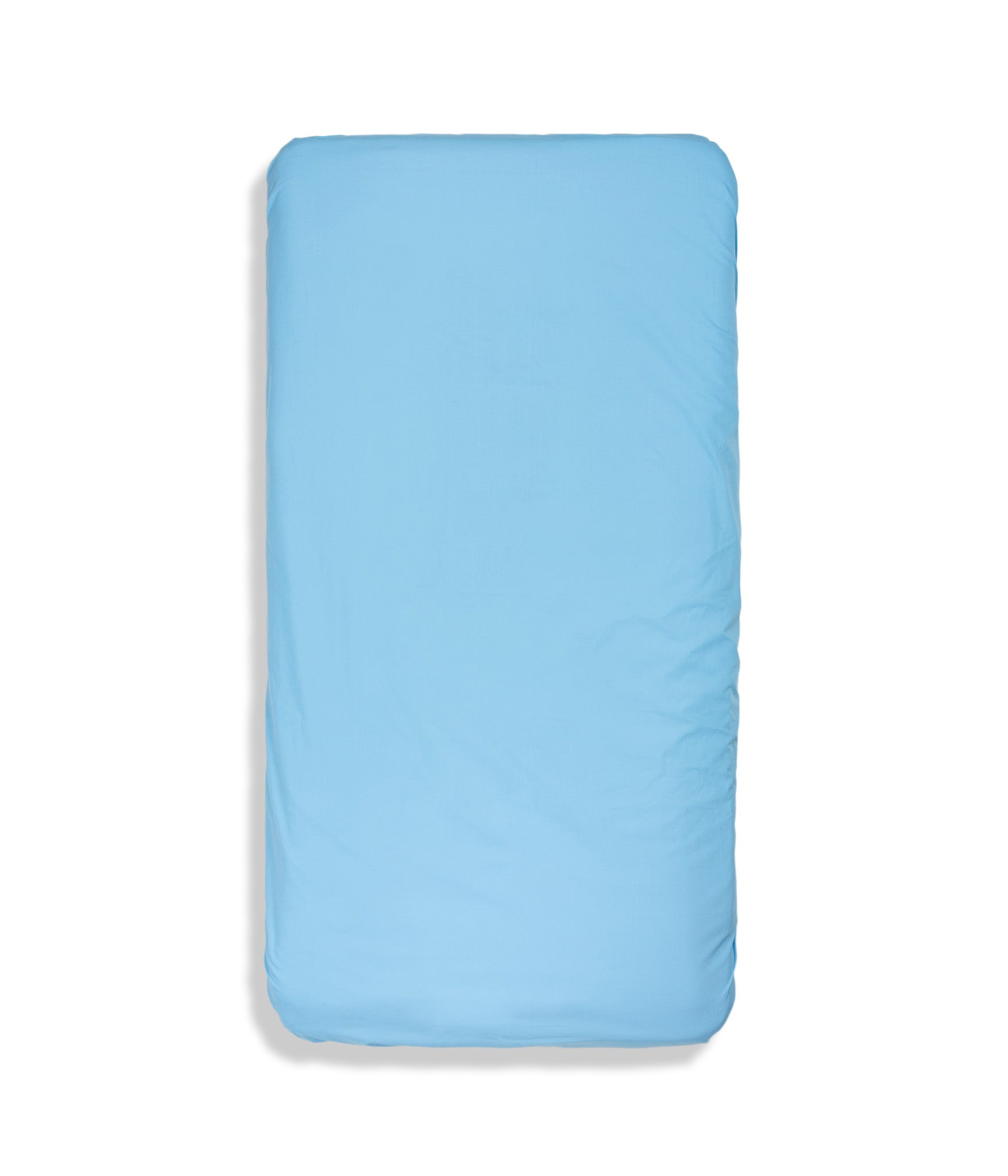 Organic cotton solid colour kids fitted sheet. Fully elasticized. Blue colour.