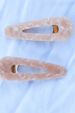Novel hair clip- Peach. - Three Nines Boutique