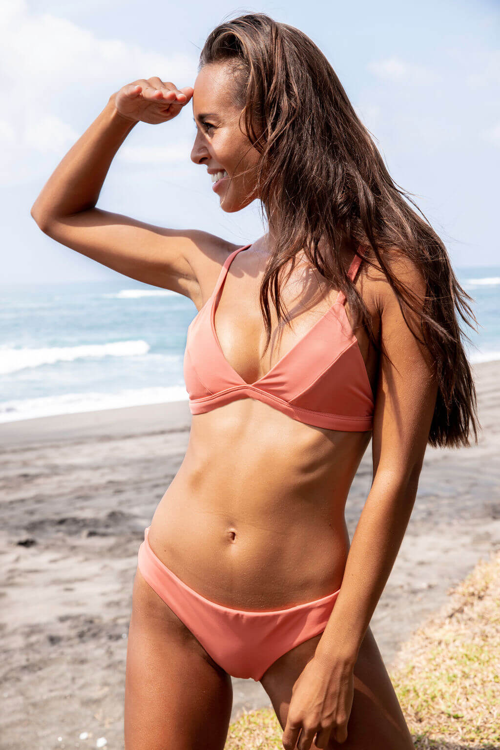 LAYA bikini | Surfer Triangle Top - Crabapple
