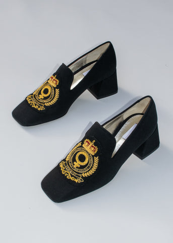 smoking loafer with crest