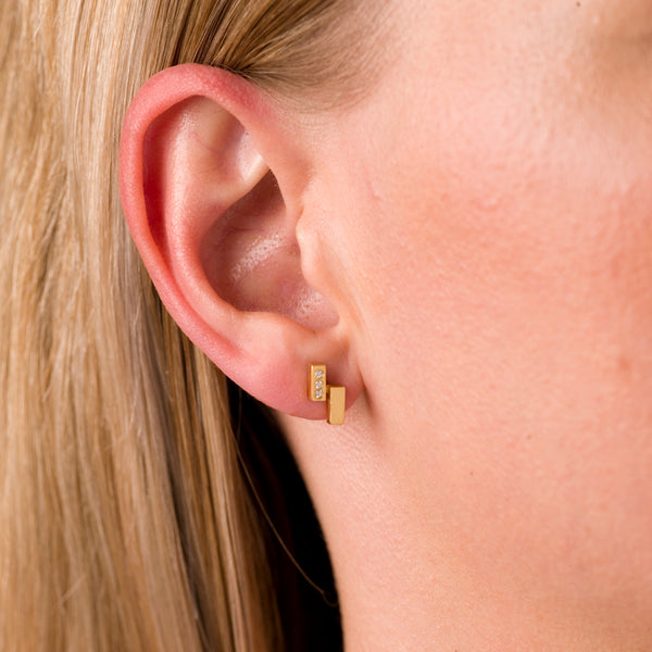 Ingot Earrings with White Sapphire in Gold