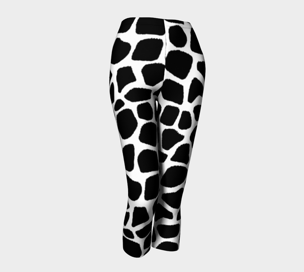 Black and White Giraffe design Capris