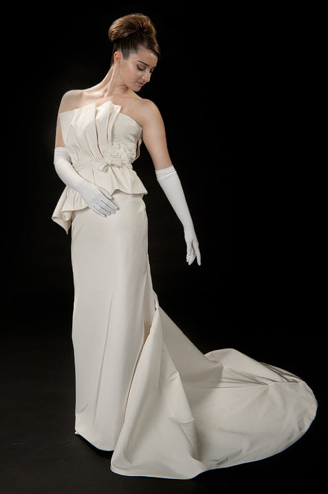anna nieman designer wedding dress Boston. An elegant gown from silk/faille, column silhouette