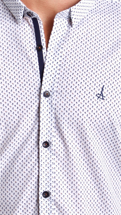 Andriali Americana Leaf Slim Fit Dress Shirt (Embroidered Logo)  Made of the finest 100% cotton featuring the Andriali emblem.  When it comes to comfort you don't have to give up elegance.