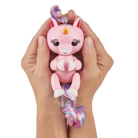 Fingerlings Baby Unicorn - Gemma (Pink with Rainbow Mane and Tail)
