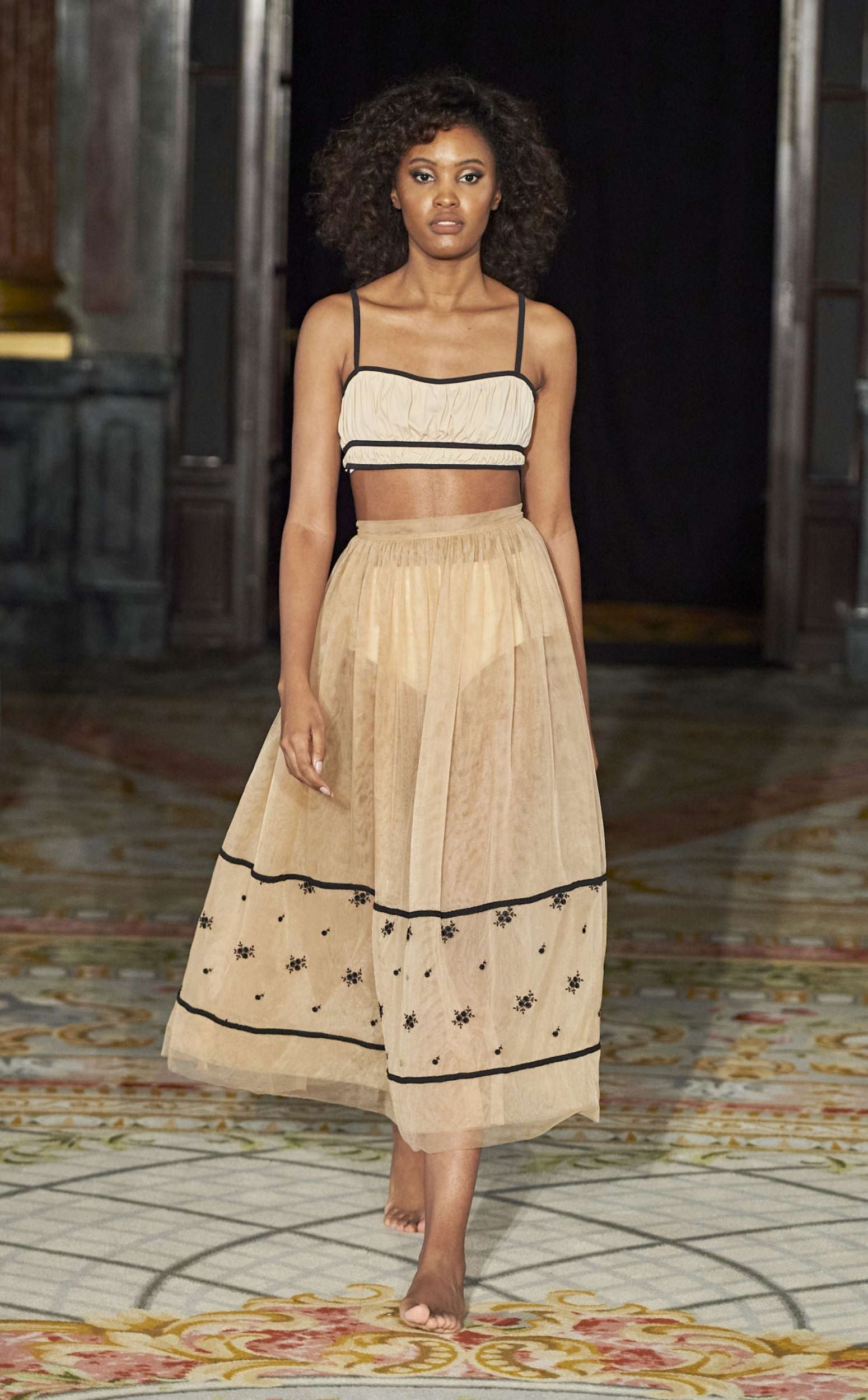 resort-wear-embroidered-tulle-skirt