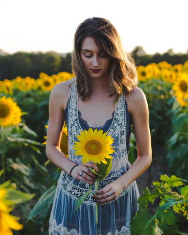 Girl with sunflower hemp