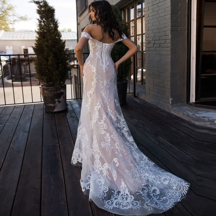 Women's Off-Shoulder Lace Long Wedding Dress With Appliques