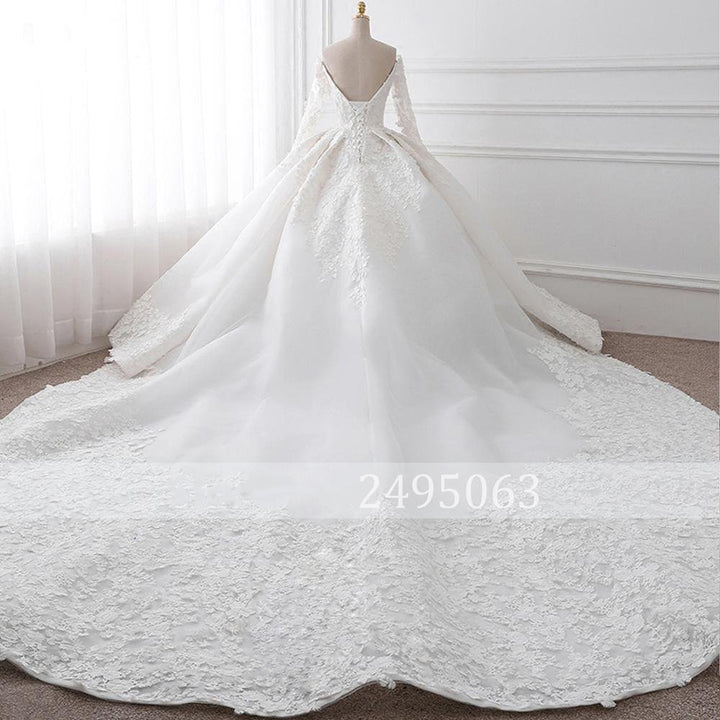 Women's Long-Sleeved Backless Wedding Dress With Chapel Train