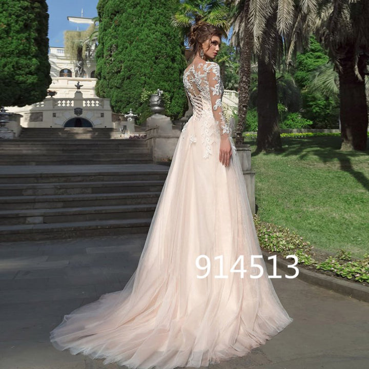 Women's Lace O-Neck Long-Sleeved Wedding Dress With Appliques