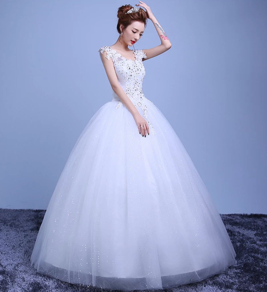 Women's V-Neck Lace Wedding Dress With Beads