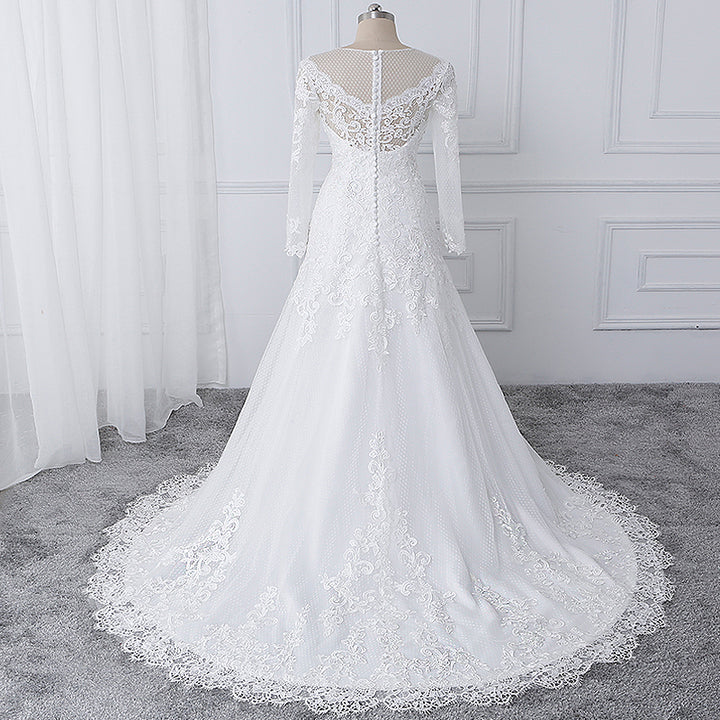 Women's Lace O-Neck Wedding Dress With Chapel Train