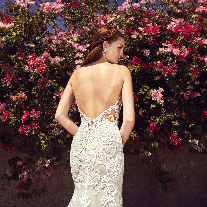Women's Backless Lace Long Wedding Dress With Court Train