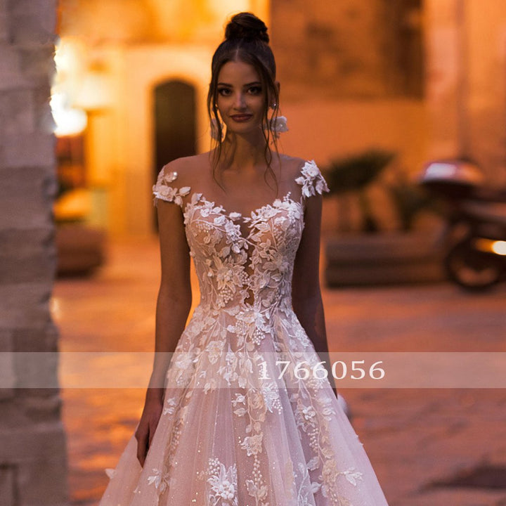 Women's Beaded Lace Sleeveless Wedding Dress With Court Train