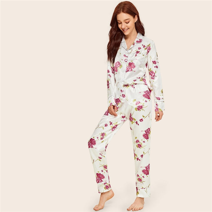 Women's Satin Buttoned Long-Sleeved Sleepwear With Print