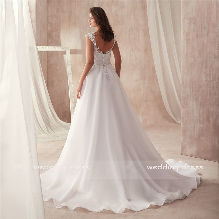 Women's Sleeveless Long Wedding Dress With Court Train