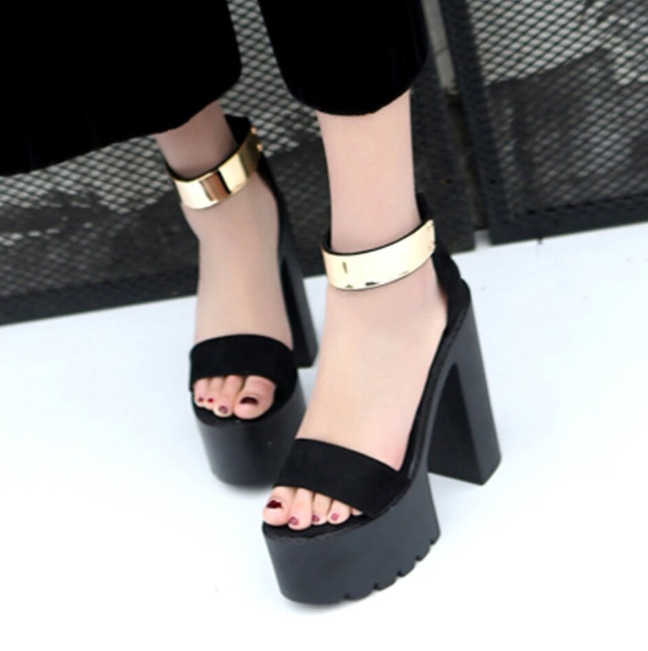 Women's Summer Suede Sandals With Square Heels