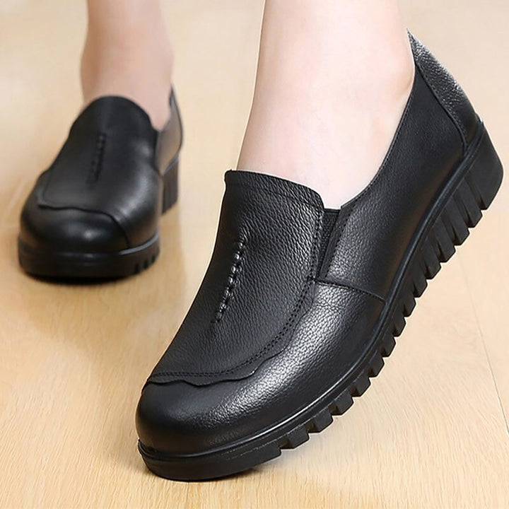Women's Genuine Leather Flats With Round Toe