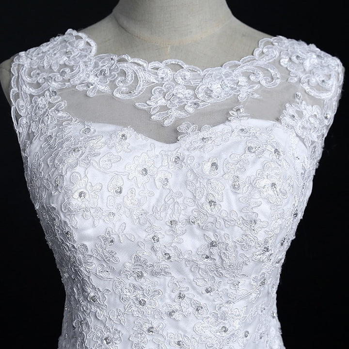 Women's Lace O-Neck Sleeveless Wedding Dress With Court Train