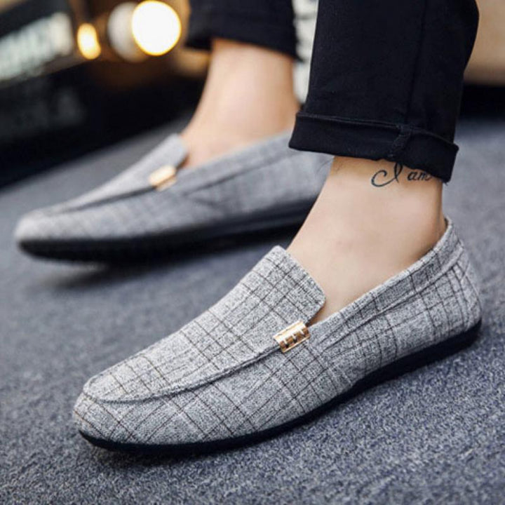 Men's Spring Leather Loafers With Metal Decoration