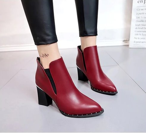Women's Autumn/Winter British Style High-Heeled Boots With Rivets