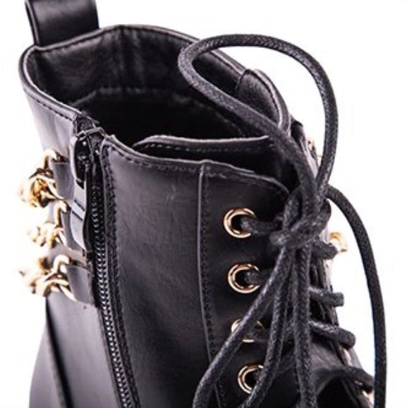 Women's Winter Vintage PU Leather Boots Decorated With Golden Chaines