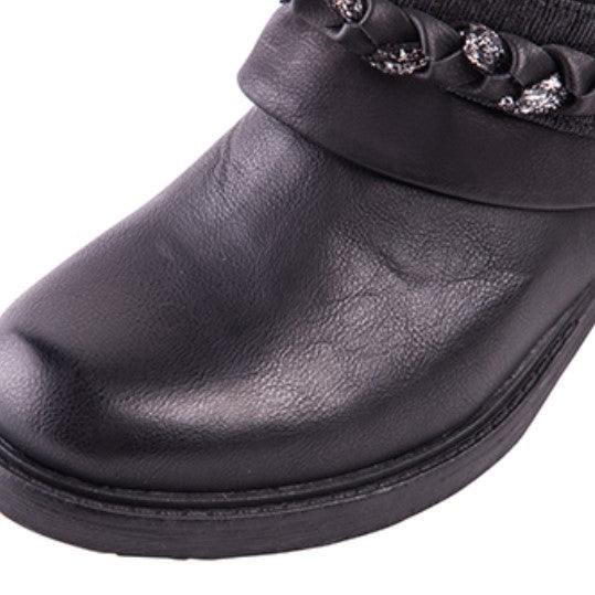 Women's Autumn/Winter Round Toe Ankle Boots With Metal Decorations