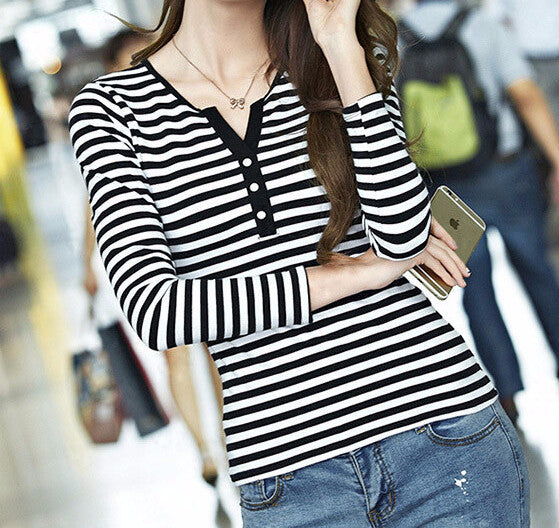Women's Casual T-Shirt With Long Sleeves - Zorket