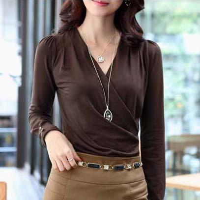Elegant Women's Blouse With Long Sleeves