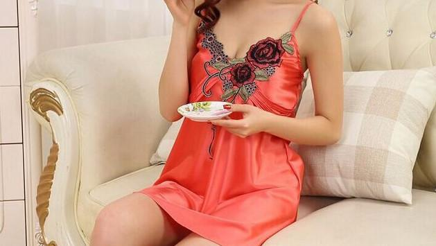 Women's Solid Color Nightgown
