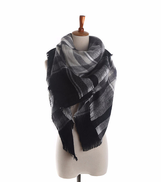 Women's Fashion Black And White Plaid Cashmere Blanket Winter Scarf - Zorket