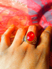 CATFACE VINTAGE:  FASHION SILVER RING: RUBY RED STONE QUEEN