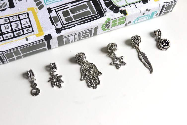 CATFACE SILVER QUEEN HAIR CHARMS