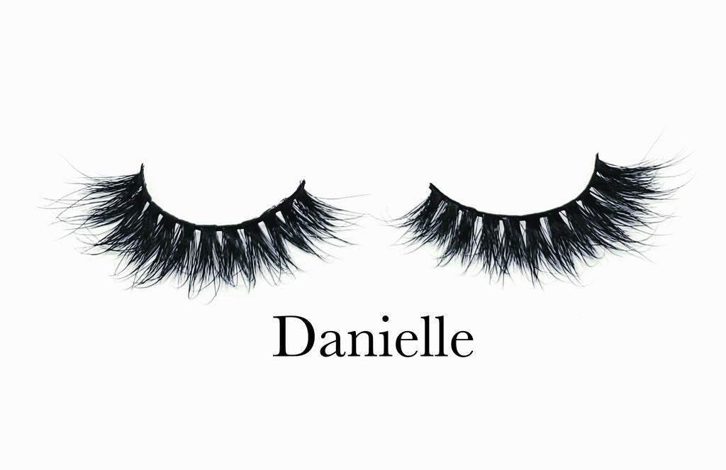 DANIELLE LASHES - Eye-Am Conchita