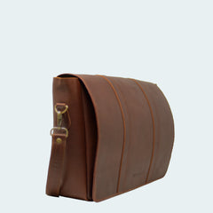 Leather Messenger Bag - Cognac - Side view