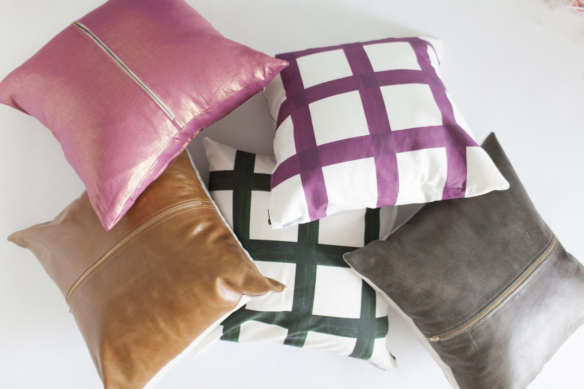Signature Zip Front Linen Pillow - Metallic Pale Berry