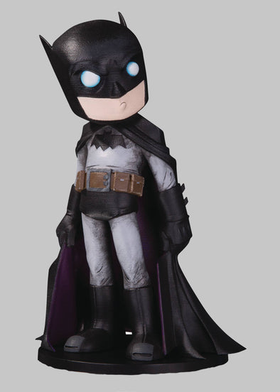 Batman DC Artists Alley Vinyl Chris Uminga Figure