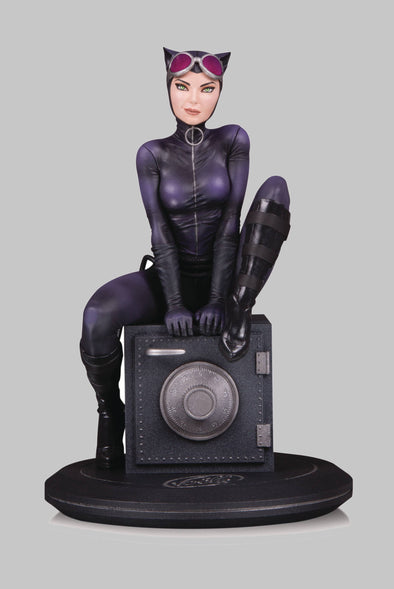 DC Cover Girls Catwoman Statue by Joelle Jones