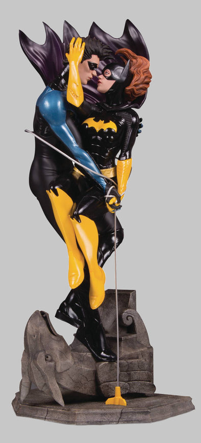 DC Designer Series Nightwing & Batgirl Statue by Ryan Sook