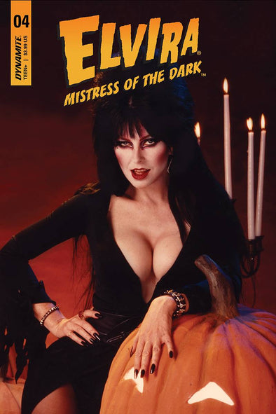 Elvira: Mistress of Dark (2018) #04 (Photo Variant)