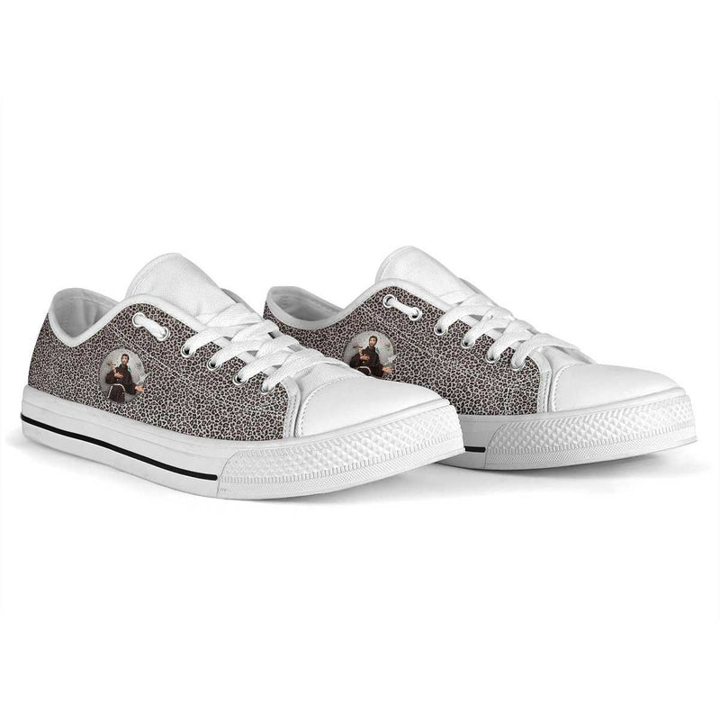 St. Francis of Assisi Women's Canvas Low Top Shoes (Leopard)