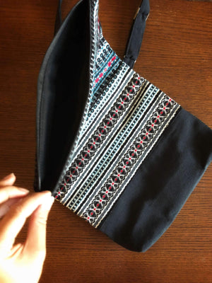 Croatian Crossbody Foldover Bag - Black Folklore bag Uppermoda
