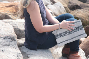 Linen Black Clutch clutch Uppermoda