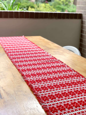 Long Croatian Table Runners - Multiple Sizes - Četiri Srca (four hearts) Table Runner Uppermoda