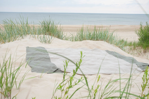 Linen Beach Blanket in Green