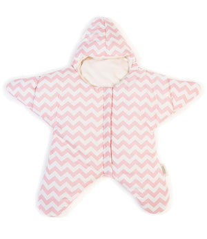This adorable Starfish baby sleepsack is the height of cuteness! Keeps your little munchkins warm and snug either in their cot, stroller or even while crawling around! Perfect for photo ops!